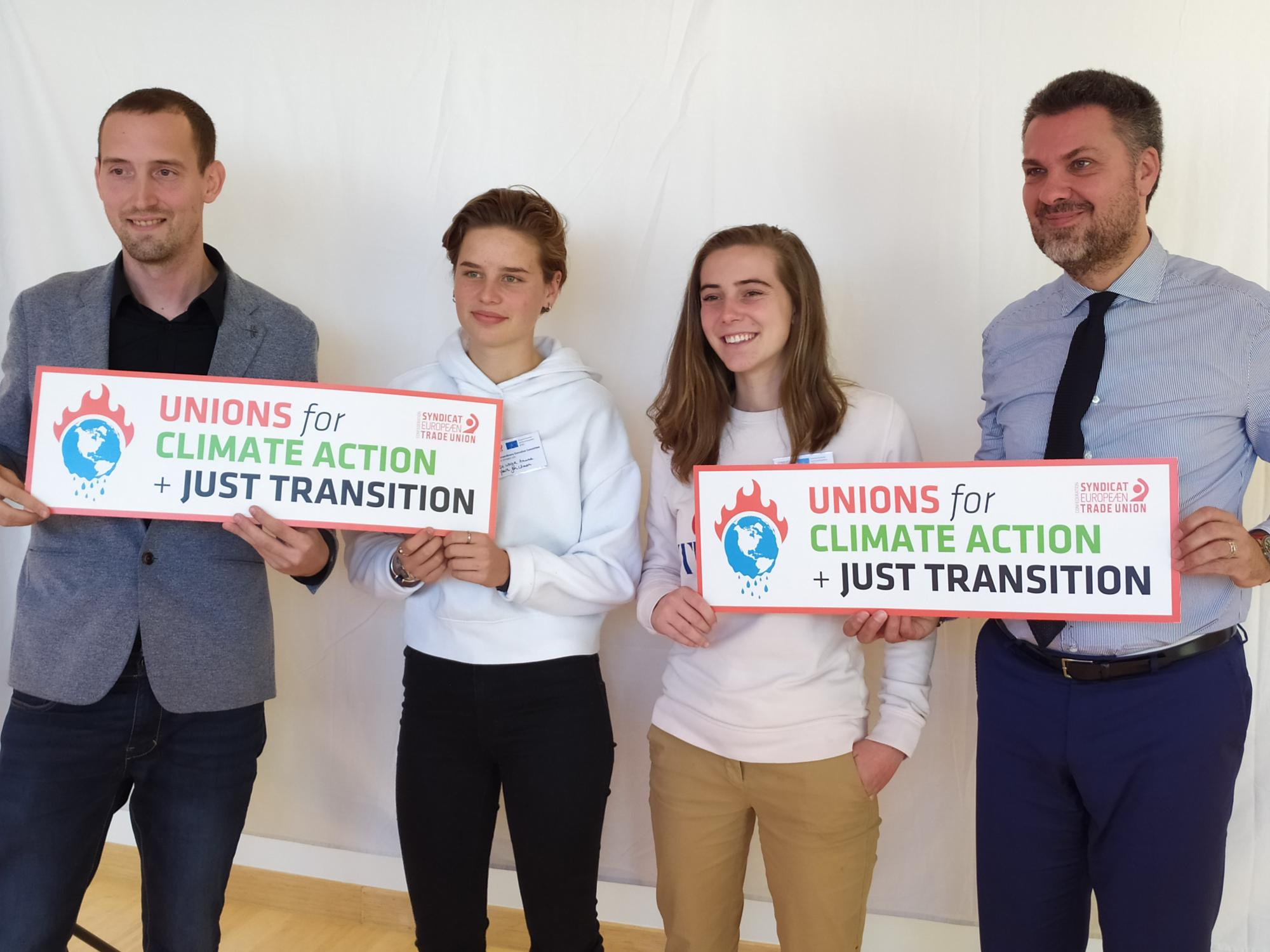 ETUC General Secretary Luca Visentini and Confederal Secretary Ludovic Voet with Anuna de Wever and Adelaide Charlier of the Youth for Climate movement
